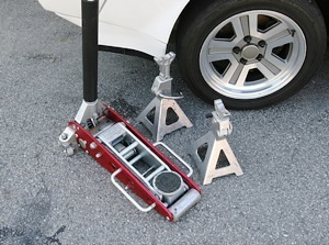 Trolley jack And stands for servicing your Jaguar
