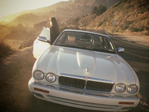 1995_Jaguar_XJ6_X300_White_Rhett_Redelings_000.jpg