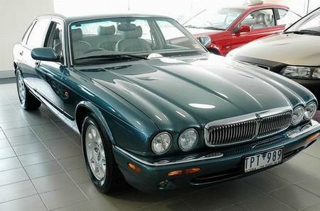 Registry: 1998 Jaguar XJ8