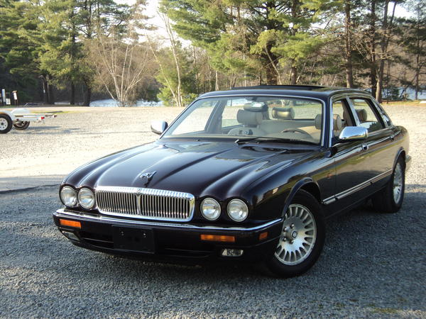 Pros Cons Inboard Brakes 54576 moreover Wallpaper 20 moreover 0603ch Master Power Disc Brake Kit furthermore Jaguar Xjs Rims furthermore 1996XJ6VANDENPLASLWB. on jaguar xjs tires